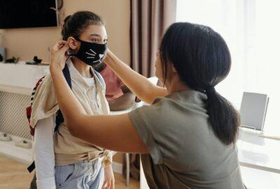 Sua criança precisa usar máscara?